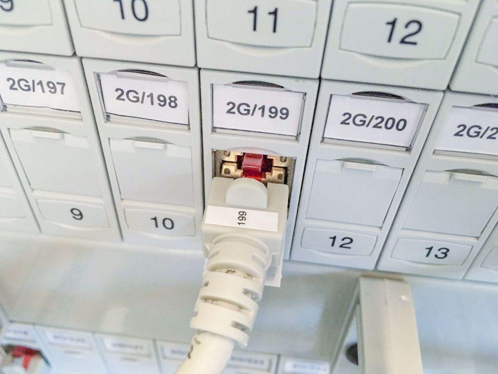 it-edv-patch-panel-muenchen-port-beschriftung-orangecomputer